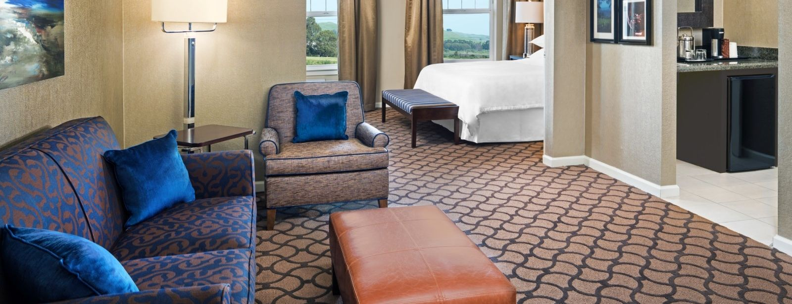 Sheraton Sonoma County – Accessible King Parlor Suite